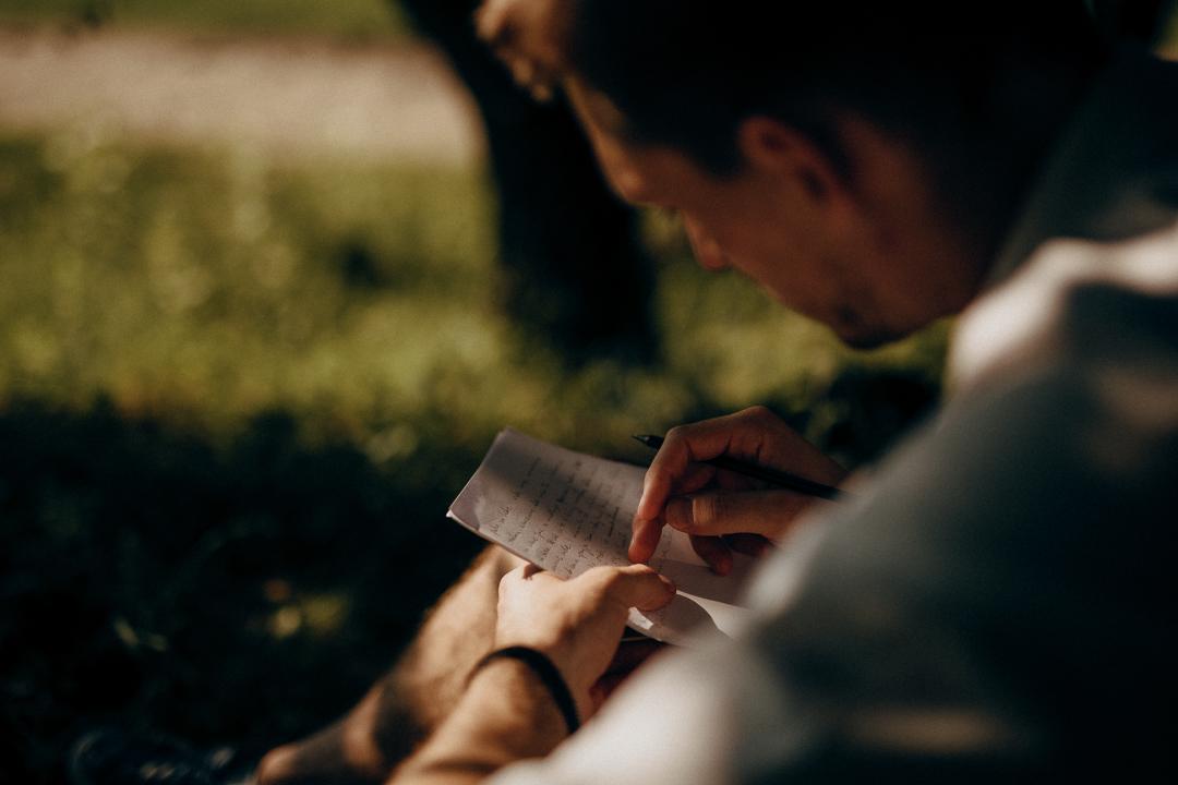 list miłosny młoda para